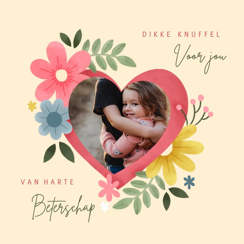 Beterschapskaarten - Beterschapskaart knuffel met hart, bloemen en foto