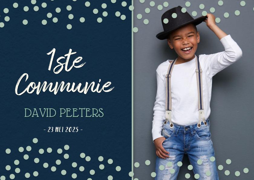 Communiekaarten - Communiekaart uitnodiging jongen - blauw met blauwe confetti
