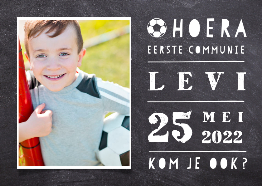 Communiekaarten - Uitnodiging communie voetbal met foto krijtbord