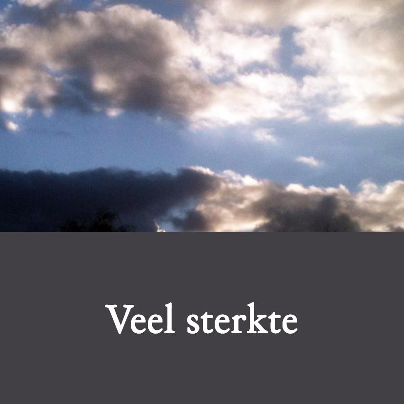 Condoleancekaarten - Grillige lucht eigen tekst op antraciet