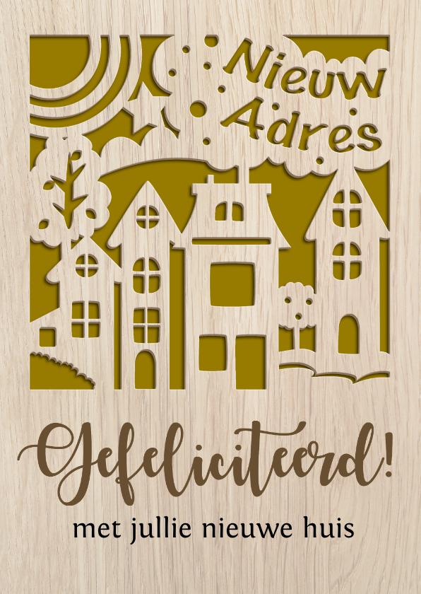 Felicitatiekaarten - Felicitatiekaart gestanste huisjes op houtprint