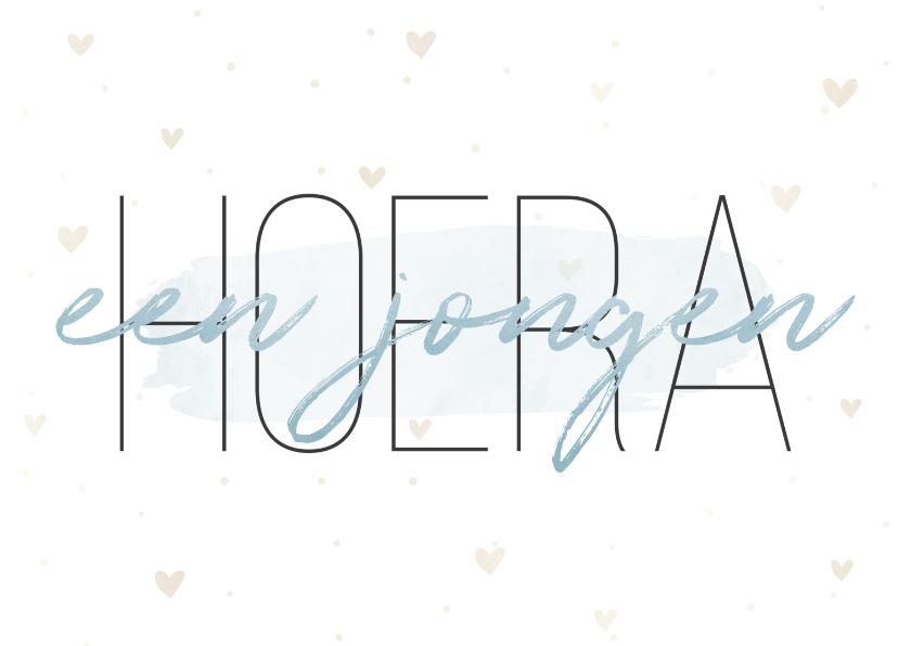 Felicitatiekaarten - Felicitatiekaart 'Hoera een jongen' met hartjes en waterverf
