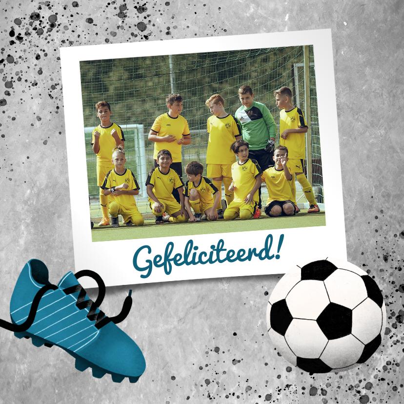 Felicitatiekaarten - Felicitatiekaart voetbal met betonlook