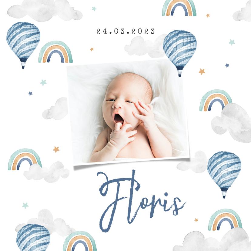 Geboortekaartjes - Geboortekaartje jongen foto wolkjes luchtballon regenboog