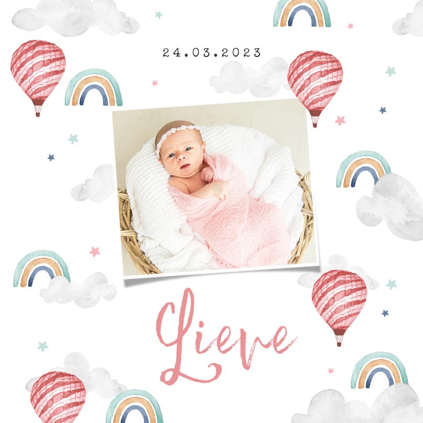 Geboortekaartjes - Geboortekaartje meisje wolkjes luchtballon regenboog foto