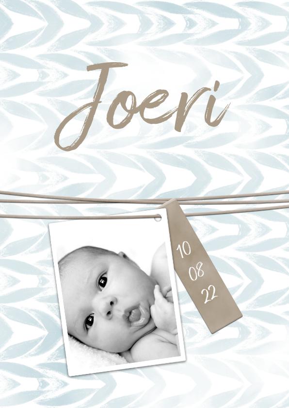 Geboortekaartjes - Geboortekaartje met label en waterverf jongen