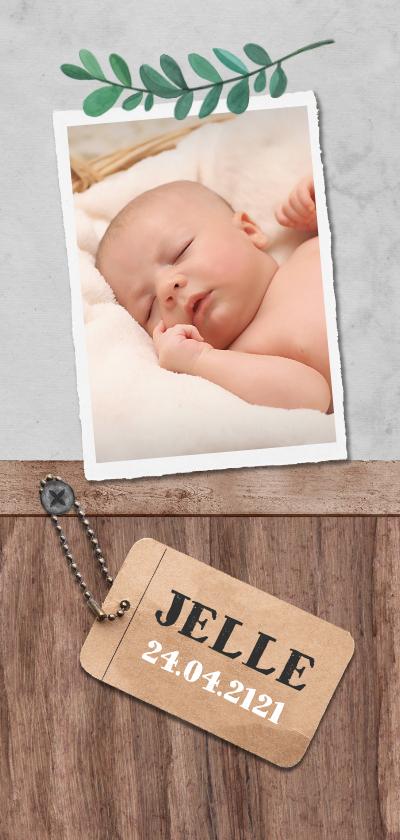 Geboortekaartjes - Geboortekaartje stoer met hout, label en blaadje