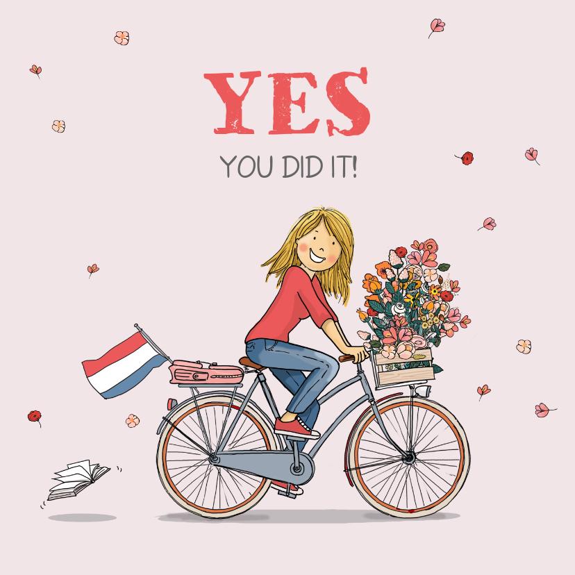 Geslaagd kaarten - Geslaagd meisje op hippe fiets