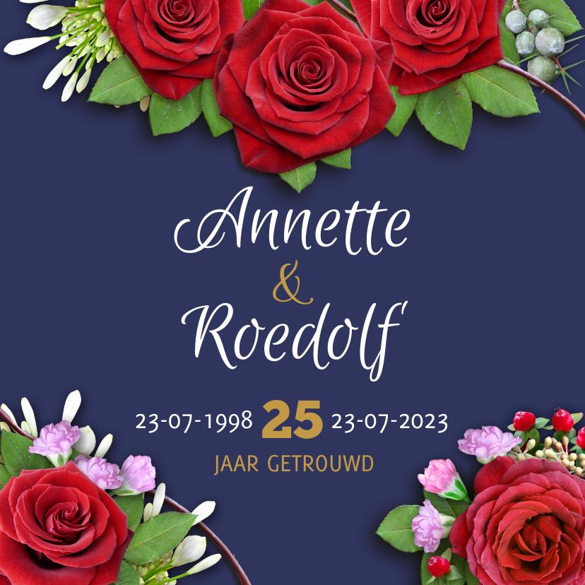 Jubileumkaarten - Mooie uitnodiging rozen op blauwe achtergrond