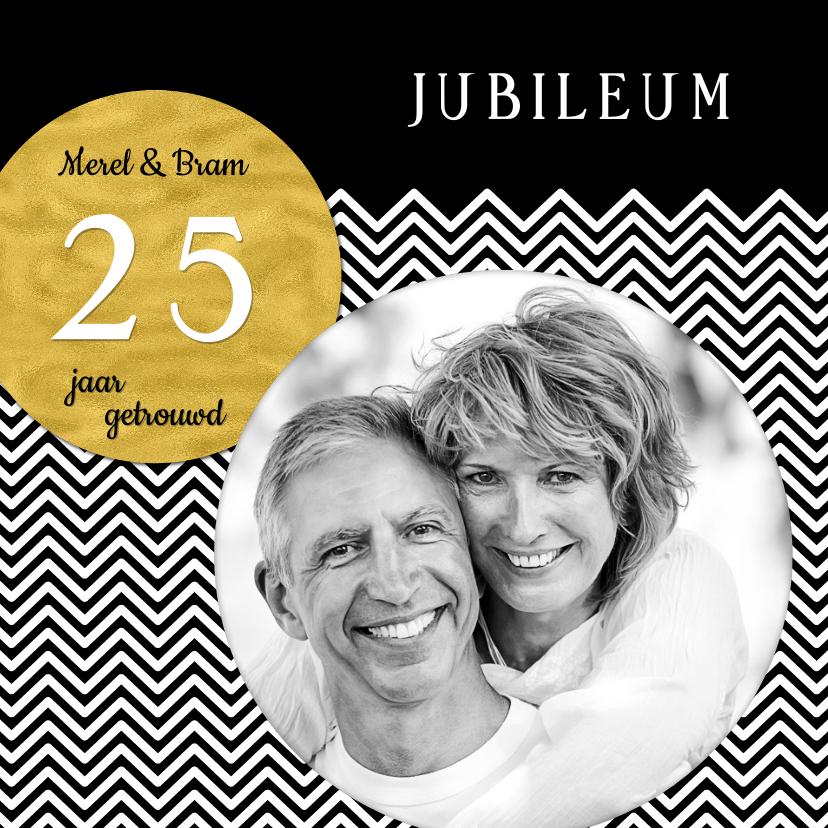 Jubileumkaarten - Uitnodiging chevron met stip OT