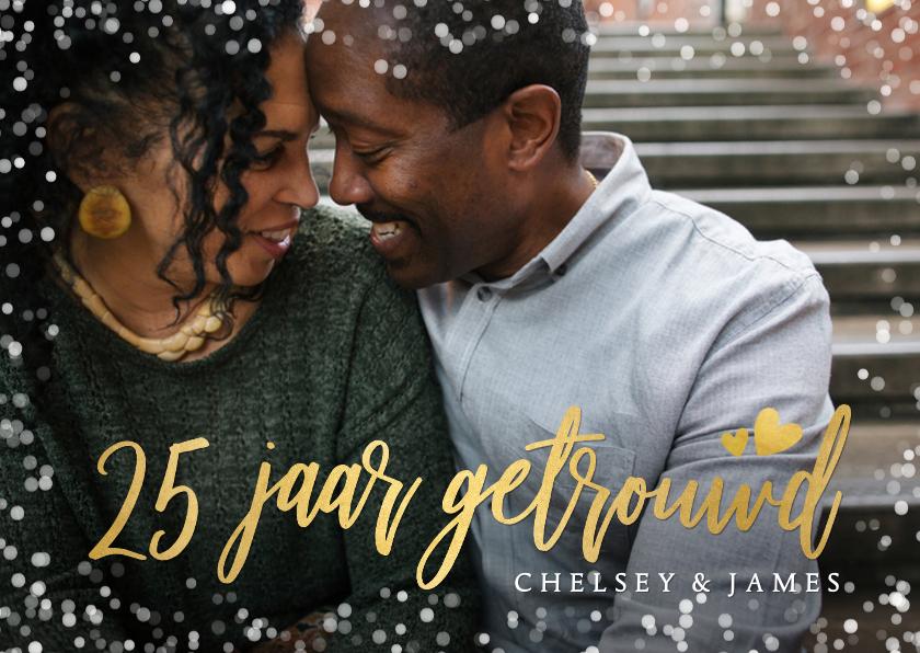 Jubileumkaarten - Uitnodiging jubileum 25 jaar getrouwd met goud en confetti