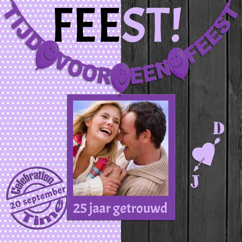Jubileumkaarten - Uitnodiging voor een FEEST  met violet stippen, hout en foto