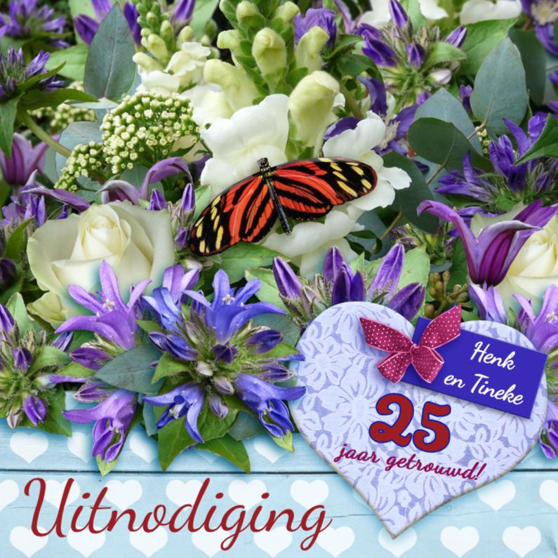 Jubileumkaarten - Uitnodiging voor jubileum  met bloemen en vlinder