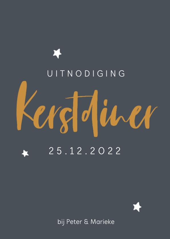 Kerstkaarten - Grijsblauwe kerstdiner uitnodiging met okergele letters