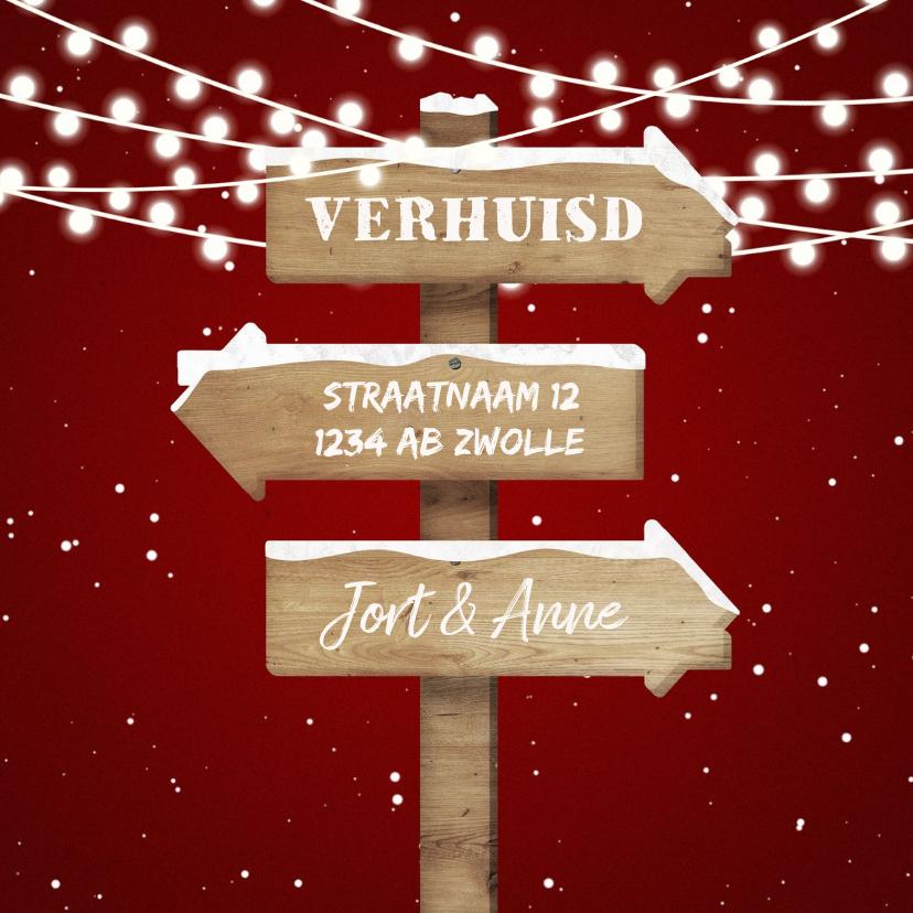 Kerstkaarten - Kerst-verhuiskaart met lampjes, sneeuw en wegwijzerbord