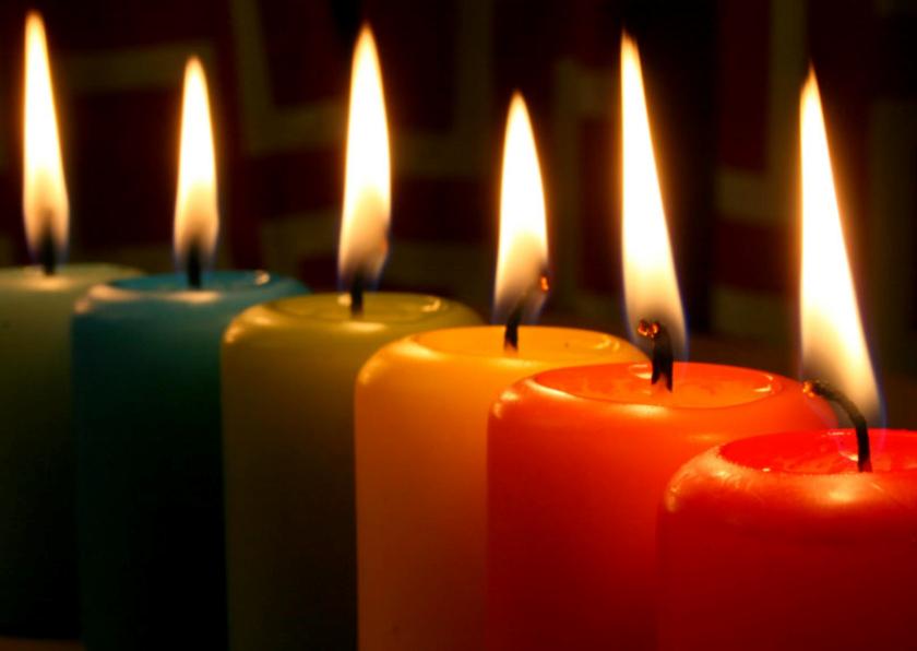 Kerstkaarten - Kerstkaart gekleurde kaarsen