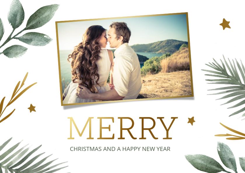 Kerstkaarten - Kerstkaart met groene takjes en gouden sterren en tekst