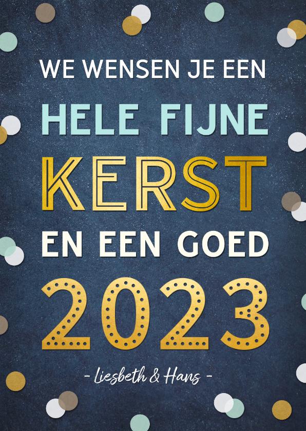 Kerstkaarten -  Kerstkaart staand met vrolijke gouden tekst 2022 & confetti
