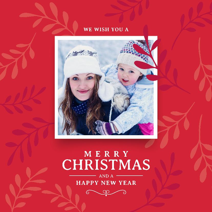 Kerstkaarten - Klassieke rode kerstkaart met takjes