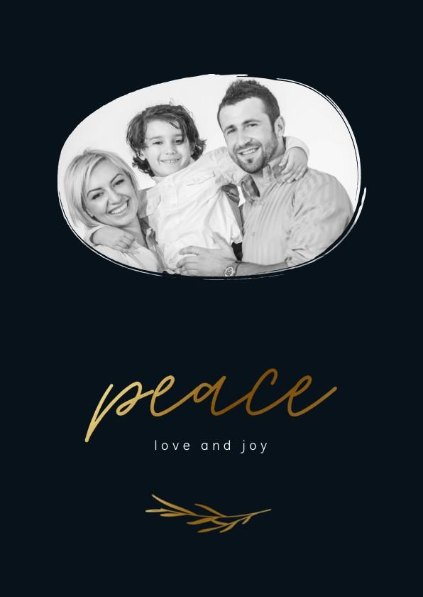 Kerstkaarten - Stijlvolle kerstkaart donkerblauw met goudlook peace en foto