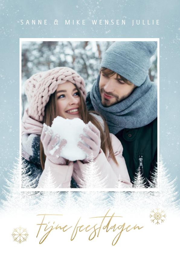 Kerstkaarten - Winterse Kerstkaart witte boompjes, sneeuwvlokken en foto