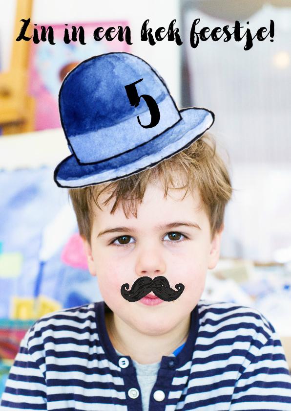 Kinderfeestjes - Kinderfeestje uitnodiging bolhoed snor