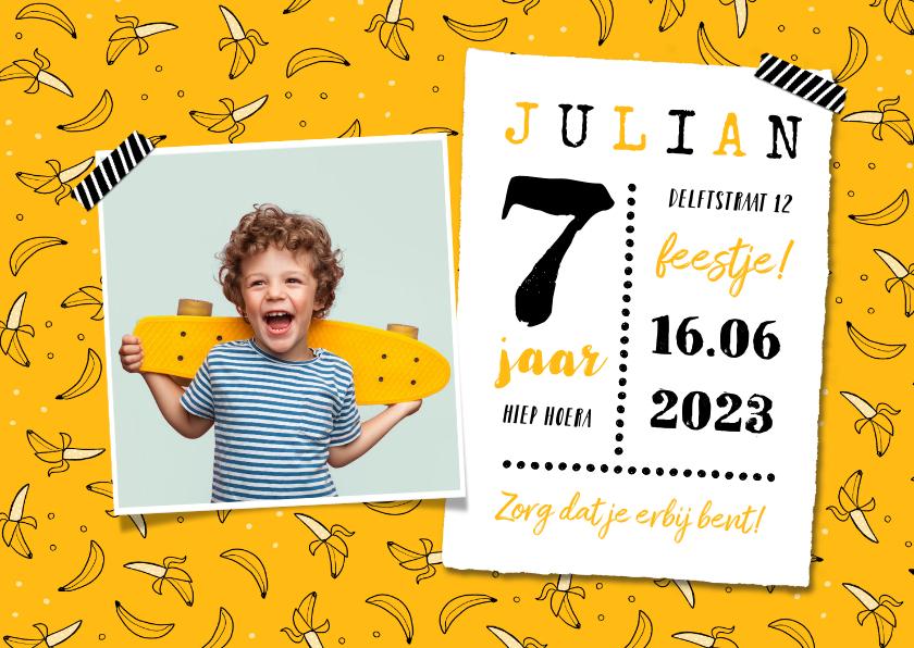 Kinderfeestjes - Kinderfeestje uitnodiging hip banaan foto okergeel foto