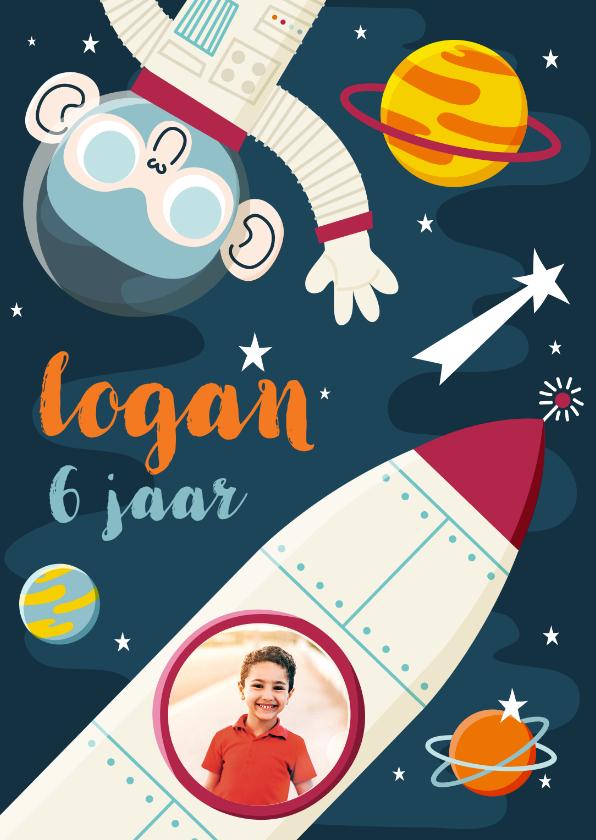 Kinderfeestjes - Kinderfeestje uitnodiging ruimte  met aap, raket en planeten