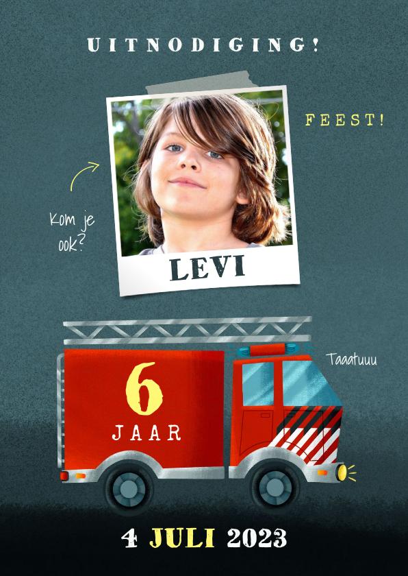 Kinderfeestjes - Stoer kinderfeestje kaart jongen met brandweerauto en foto