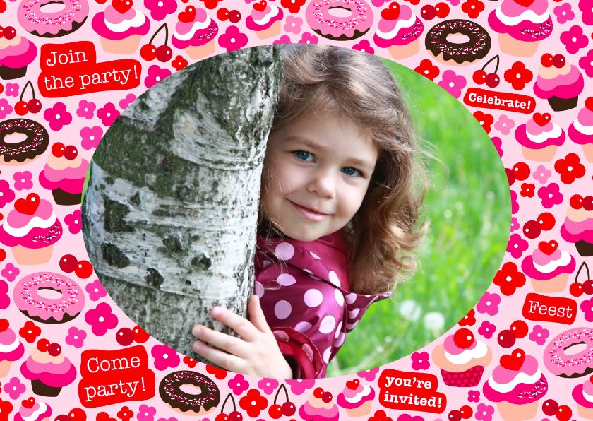 Kinderfeestjes - Uitnodiging Feestje Cupcakes Foto