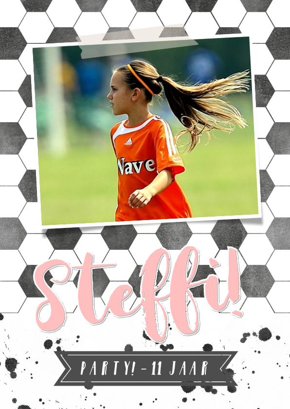 Kinderfeestjes - Uitnodiging feestje - Voetbal meisje met eigen foto