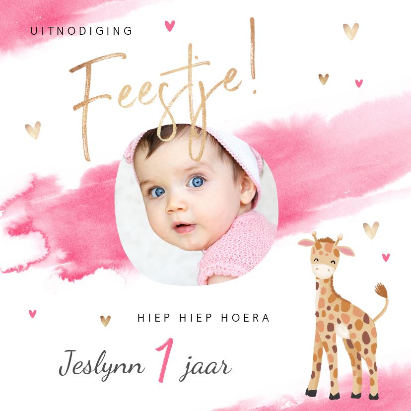 Kinderfeestjes - uitnodiging kinderfeestje meisje waterverf giraf hartjes