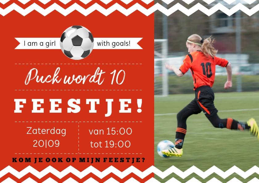 Kinderfeestjes - Uitnodiging kinderfeestje voetbal rode kleur aanpasbaar