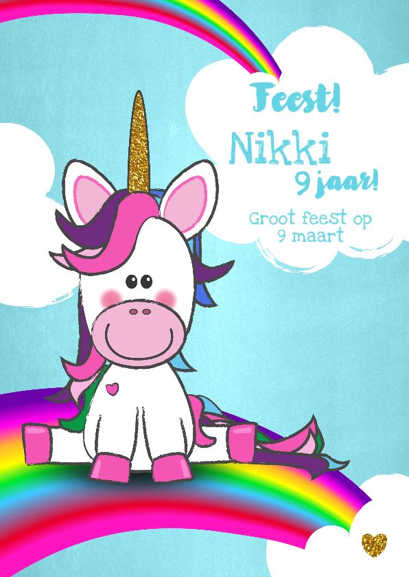 Kinderfeestjes - Uitnodiging vrolijke kaart met unicorn wolken en regenboog