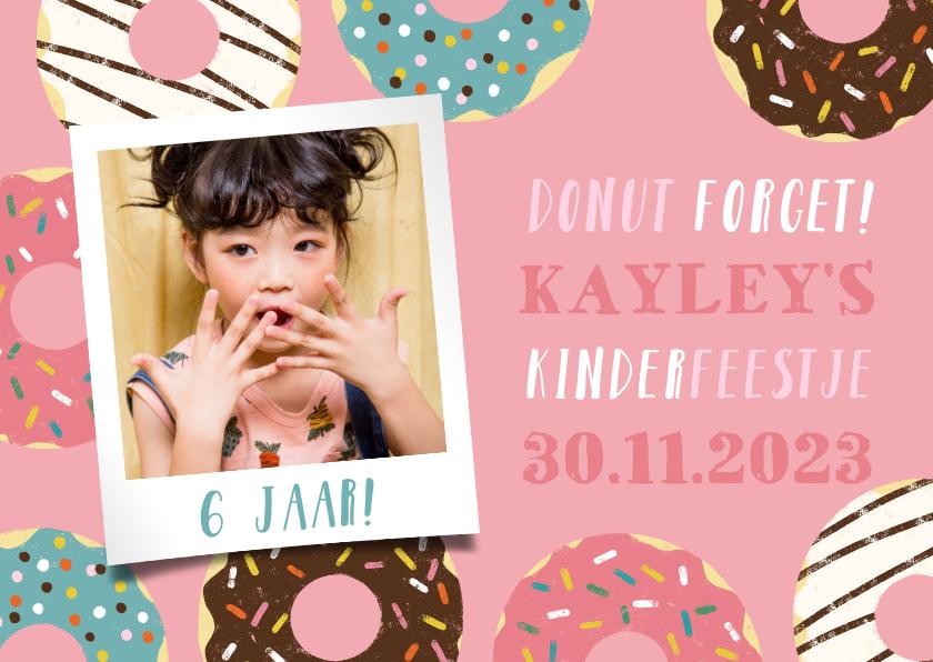 Kinderfeestjes - Vrolijke uitnodiging kinderfeestje met donuts en foto's