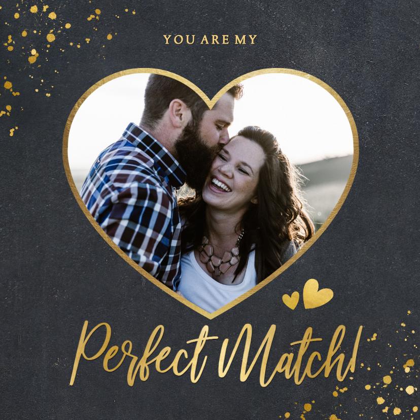 Liefde kaarten - Zwarte liefdeskaart met een eigen foto in hart vorm en goud