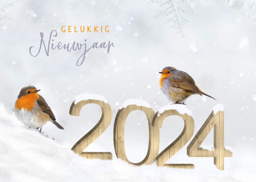 Nieuwjaarskaarten - Nieuwjaar houten cijfers in de sneeuw met roodborstjes