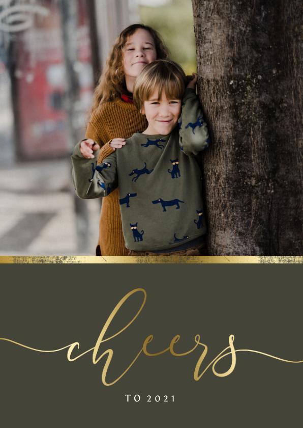 Nieuwjaarskaarten - Nieuwjaarskaart gouden accent en 'cheers' met foto
