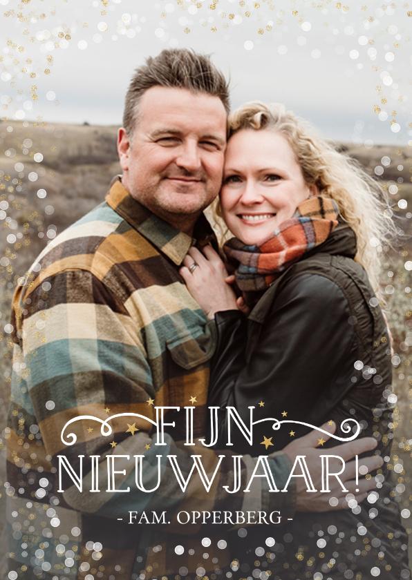 Nieuwjaarskaarten - Nieuwjaarskaart met grote foto en wit met gouden confetti