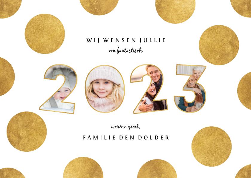 Nieuwjaarskaarten - Nieuwjaarskaart stippen met speelse 2022 fotocollage