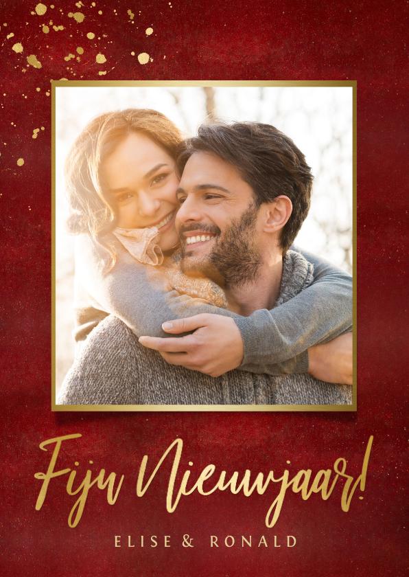 Nieuwjaarskaarten - Stijlvolle rode nieuwjaarskaart met eigen foto en goud
