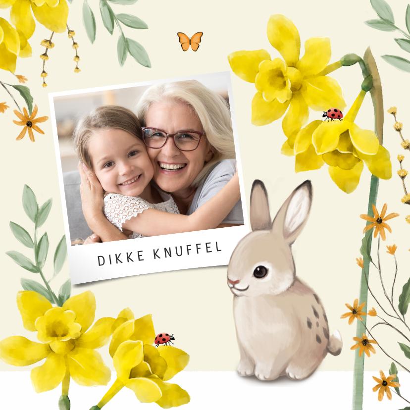 Paaskaarten - Een vrolijke lente paaskaart met bloemen, vlinders en konijn