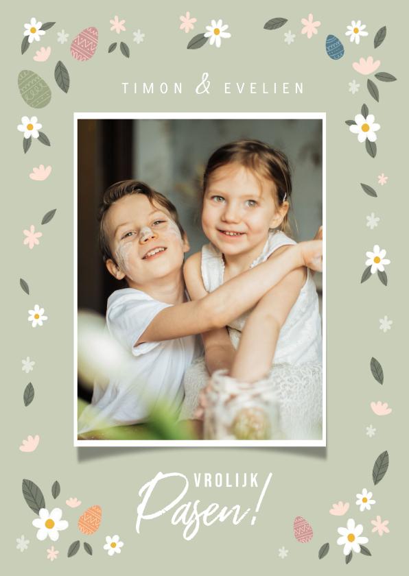 Paaskaarten - Vrolijke paaskaart grote foto, bloemen en paaseitjes