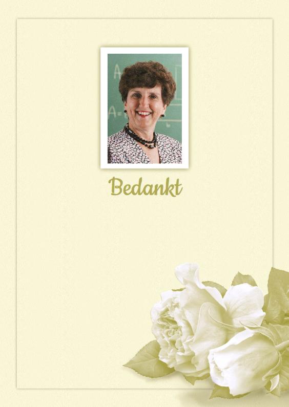 Rouwkaarten - Bedankkaart witte roosjes en foto op lichte ondergrond
