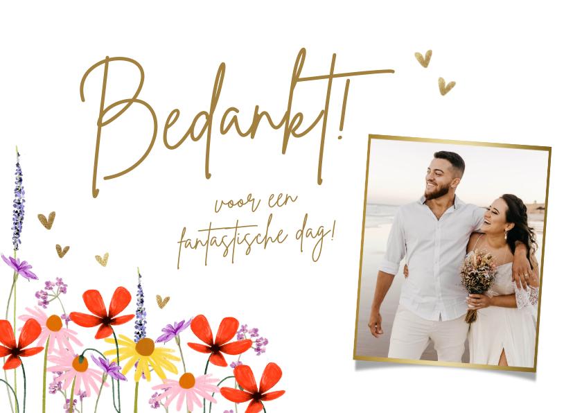 Trouwkaarten - Bedankkaart met zomerbloemen en hartjes in goud