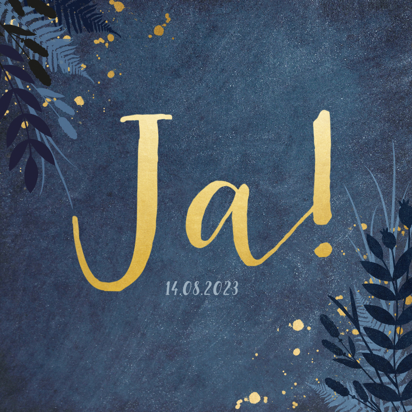 Trouwkaarten - Stijlvolle donkerblauwe trouwkaart met gouden ja en bloemen