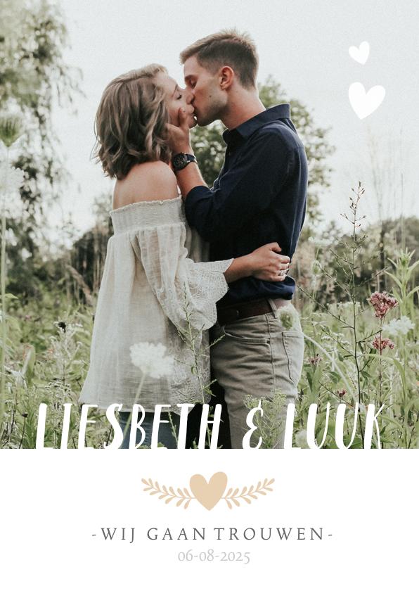 Trouwkaarten - Stijlvolle staande trouwkaart met grote foto en eigen namen