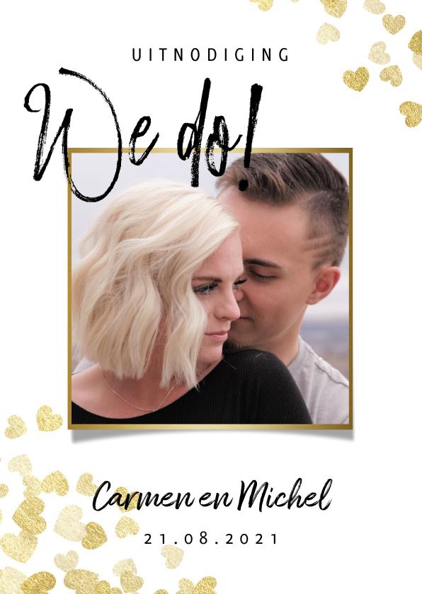 Trouwkaarten - Stijlvolle trouwkaart met gouden hartjes typografie en foto