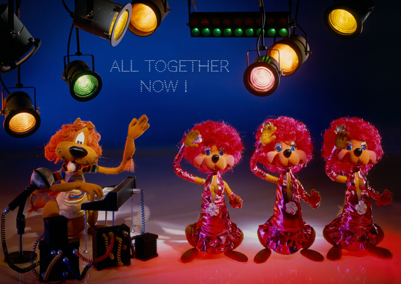 Uitnodigingen - Loeki de Leeuw met koor