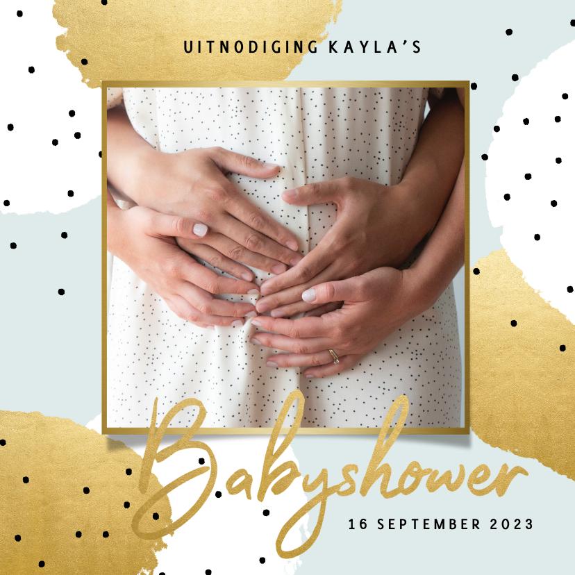 Uitnodigingen - Uitnodiging met goud en zwarte stipjes voor je babyshower